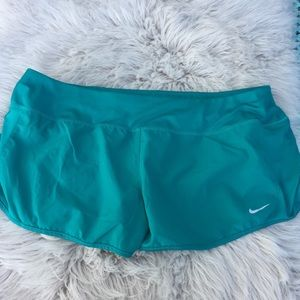 Nike Dri fit shorts women's athletic xl green